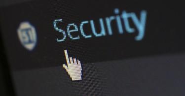 كيفية حماية أنظمة الهواتف الذكية من البرامج الخبيثة (3 نصائح)